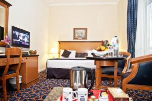 Regal Plaza Hotel, Hotel  Dubai - big - 28