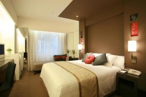 Double Room with Extra Bed - Non-Smoking