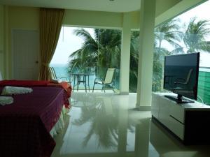 Samui Beach Resort Beach Front Rooms