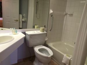 Queen Suite with Two Queen Beds - Non-Smoking - First Floor