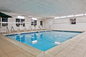 Country Inn & Suites by Radisson, Peoria North, IL, Отели  Peoria - big - 27