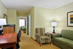 Country Inn & Suites by Radisson, Peoria North, IL, Отели  Peoria - big - 3