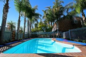 Cattlemans Country Motor Inn and Serviced Apartments