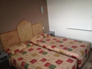 Hotel du Soleil Bleu, Szállodák  Istres - big - 18