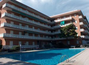 Residence Shakespeare, Apartmány  Lignano Sabbiadoro - big - 4