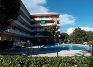 Residence Shakespeare, Apartmány  Lignano Sabbiadoro - big - 3