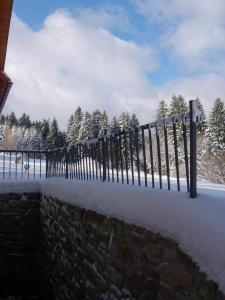 Pension Klokočí, Penzióny  Sněžné - big - 59