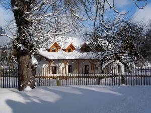 Pension Klokočí, Penzióny  Sněžné - big - 62