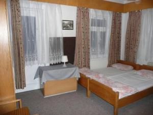 Chata Jitřenka, Hostels  Johannisbad - big - 10