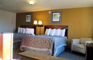 Econo Lodge Inn & Suites Tyler, Отели  Tyler - big - 8