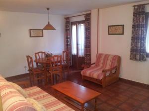 Apartamentos Petronilla, Apartmanok  Benasque - big - 5