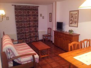 Apartamentos Petronilla, Apartmanok  Benasque - big - 7