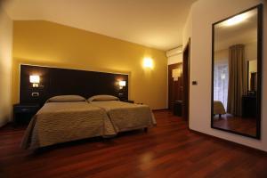 Hotel Villa Rosa, Hotely  Nago-Torbole - big - 19