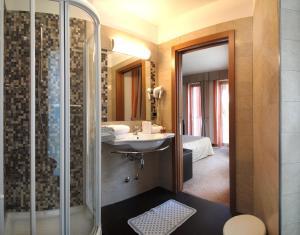 Hotel Villa Rosa, Hotely  Nago-Torbole - big - 26