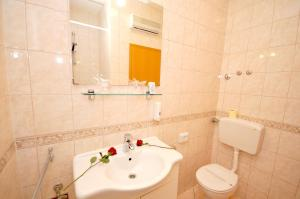 Apartmani Trogir, Апартаменты  Трогир - big - 9