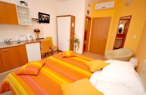 Apartmani Trogir, Апартаменты  Трогир - big - 8