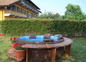 Residence La Bellotta, Apartments  Oleggio - big - 13