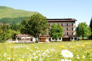Sport and Family Hotel Bucaneve