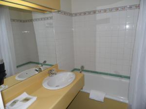 Logis Les Provinciales, Hotel  Arpajon-sur-Cère - big - 9