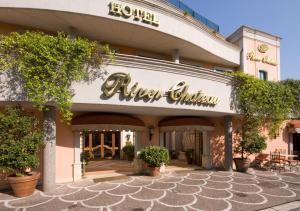 River Chateau Hotel - abcRoma.com