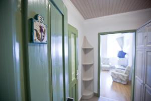 Tornácos Ház - Hegykő, Hotely  Hegykő - big - 77