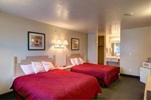 Rodeway Inn Capitol Reef, Отели  Caineville - big - 2