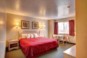 Rodeway Inn Capitol Reef, Отели  Caineville - big - 10