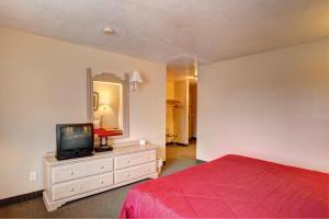 Rodeway Inn Capitol Reef, Отели  Caineville - big - 9