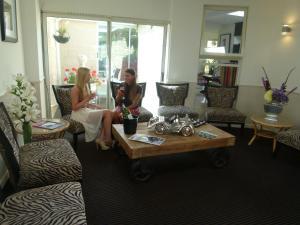 Beachcombers Hotel (11 of 51)