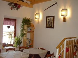 Rifugio Casa Alpina Julius Kugy, Хостелы  Malborghetto Valbruna - big - 48