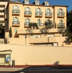 Appartements Villa Les Palmes, Apartmány  Cannes - big - 40