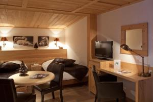 Hotel Les Mélèzes, Hotely  Les Deux Alpes - big - 11