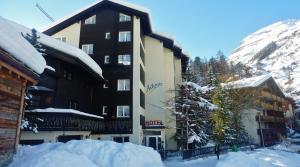 Hotel Adonis - Zermatt