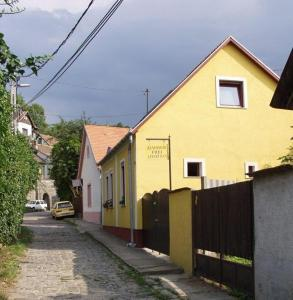 Zách Klára utcai Apartman, Penziony  Visegrád - big - 32