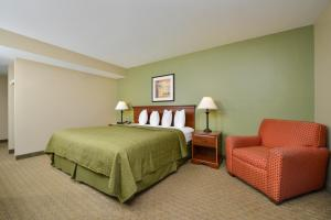 Quality Inn & Suites Near Fairgrounds & Ybor City, Hotels  Tampa - big - 17