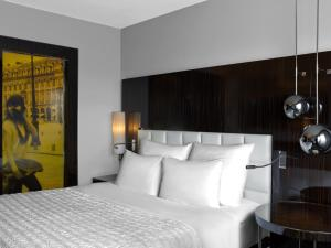 Chic Twin or Double Room