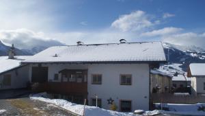 Appartement mit Flair, Ferienwohnungen  Ehrwald - big - 11