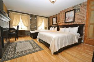 Superior Double Room with Two Double Beds - Building Acadia