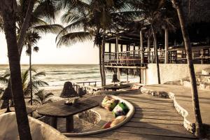 Papaya Playa Project (32 of 65)