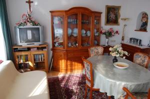 Haus Elfriede, Апартаменты  Мильстат - big - 2