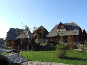 Etno selo Stanisici & Hotel Pirg, Szállodák  Bijeljina - big - 7