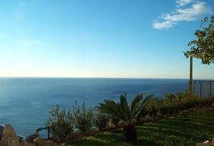 Chambre d'hôtes de charme La Belle Vue, Panziók  Roquebrune-Cap-Martin - big - 6