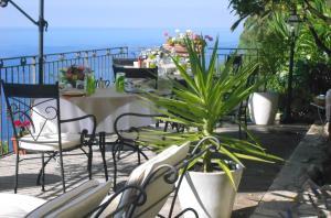 Chambre d'hôtes de charme La Belle Vue, Panziók  Roquebrune-Cap-Martin - big - 24
