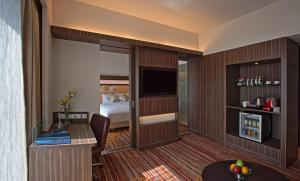 Novotel Pune Nagar Road, Hotels  Pune - big - 26