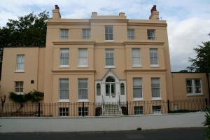 Manor House, Felpham Service Apartments