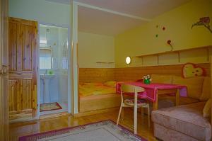 Penzion a drevenica pri Hati, Penziony  Terchová - big - 32