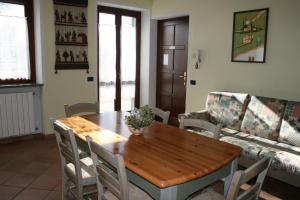 Residence La Bellotta, Apartments  Oleggio - big - 12