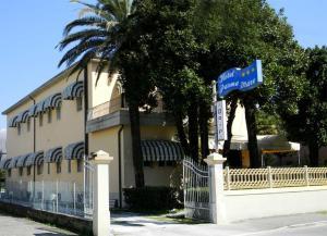 Hotel Parma Mare, Hotely  Marina di Massa - big - 36