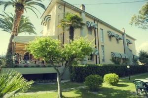 Hotel Parma Mare, Hotely  Marina di Massa - big - 32