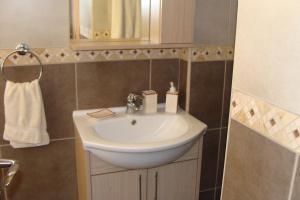 Polyxenia Isaak Luxury Villas and Apartments, Apartments  Protaras - big - 25